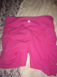 Size 6 lulu lemon shorts  Dartmouth, B2V 1P8
