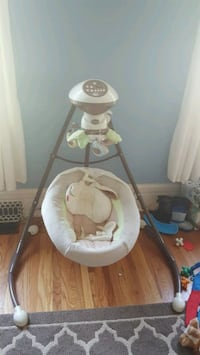 Fisher price baby swing  Lincoln, L0R 1B6
