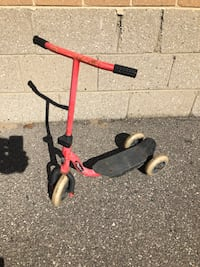 $10 for kid child Spider-Man red scooter Toronto, M9W 2A3