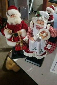 Santa set figurines  115 mi
