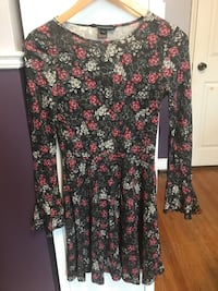 French Connection floral dress never worn size 2 Mississauga, L5E 2V8