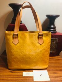 EUC Authentic Louis Vuitton Houston Vancouver, V5Z 0C9