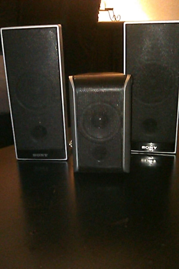 Sony surround sound system and subwoofer 703a0939-975f-4929-9bd3-08490d174df2