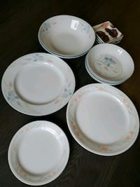 2x plate and dish set  Vancouver, V5R 4P9