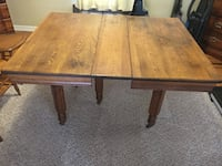 Solid wood table with removable leaf Chesapeake, 23323