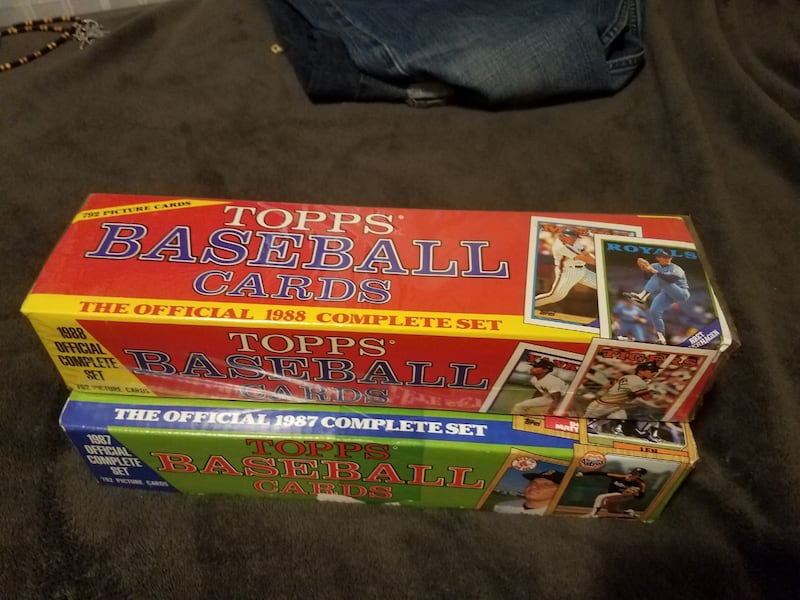 2 complete sets of 1987 1988 topps baseball cards  55944a77-069c-41f4-974a-1f3c059fa522