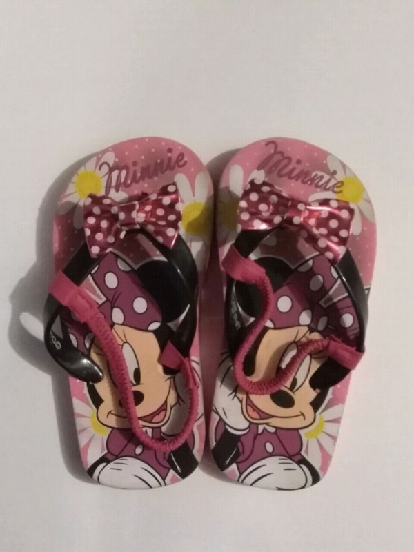 2ab77508c Used black and pink Minnie Mouse print flip flops for sale in Planada -  letgo