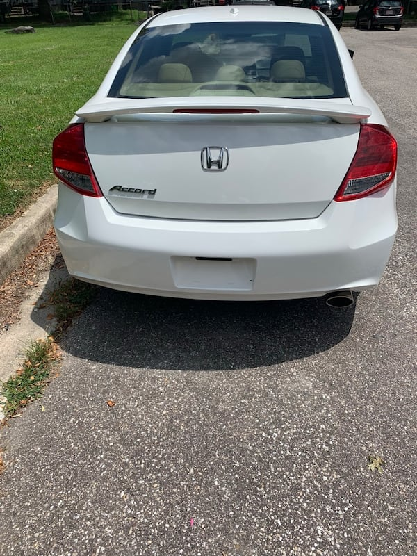 Only 100k miles even, MD state inspected 2011 Honda Accord Coupe EXL fully loaded $8500 obo  60c5aed2-1e9a-4f00-ada7-0e6f895ba2f6