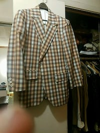 brown and white plaid button-up jacket Baltimore, 21209