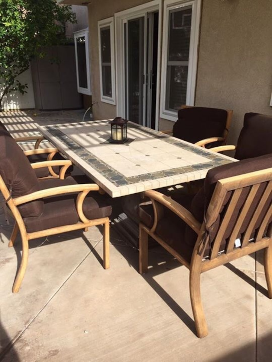 Used Outdoor Dining Table And Chairs In Rancho Santa Margarita