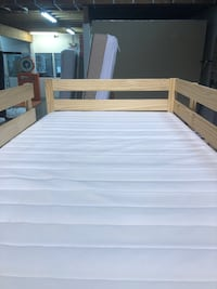 Great bunk bed with clean mattresses