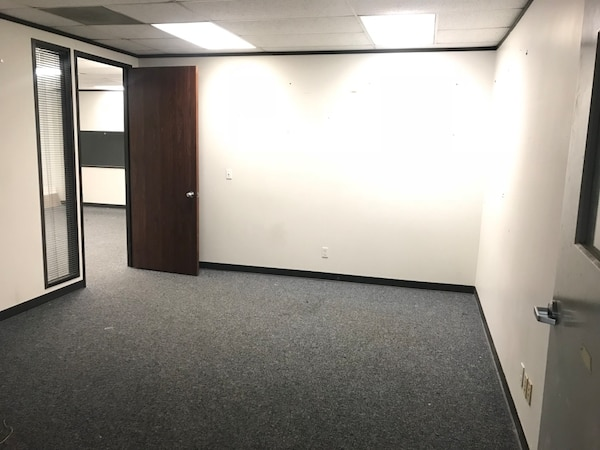COMMERCIAL For rent STUDIO 1BA