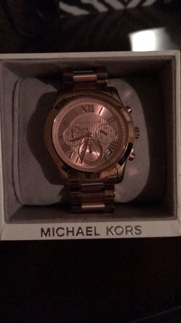 Rose Gold Michael Kors Watch! NEEDS TO GO!