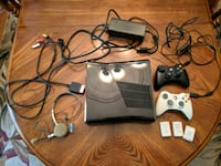 Xbox 360 Elite with two controllers Columbia, 21044