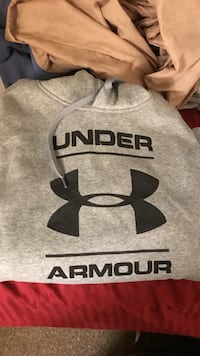 Gray under armour pull over hoodie Jb Andrews, 20762