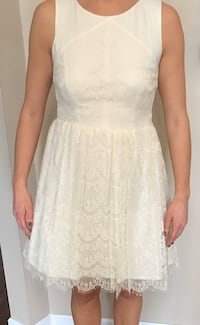 Off white lace t- length dress Chicago, 60631