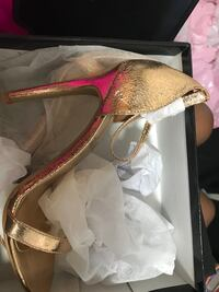PairNEVER WORN! gold and silver open toe ankle strap pumps