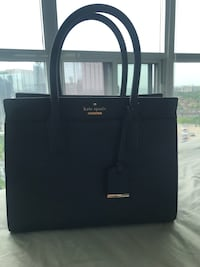 Authentic navy Kate spade purse Toronto, M8Z
