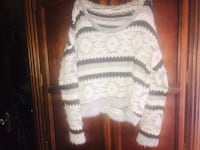 White and gray knitted sweater Fresno, 93727