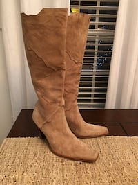 pair of brown suede knee-high boots Murfreesboro, 37129