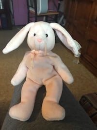 Beanie baby hoppitty rabbit rare errors on tags  Lynn, 01905