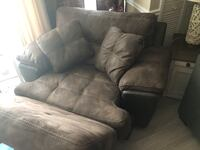 Very nice oversized chair with opening otman for storage / dont miss