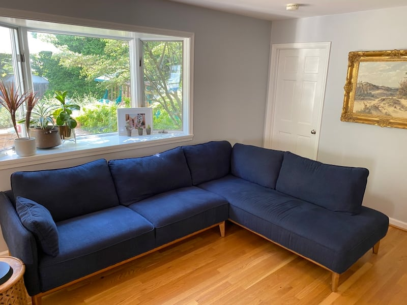 Navy L shaped sectional  3c89bfe5-6e9a-411f-944a-7c54b25499ca