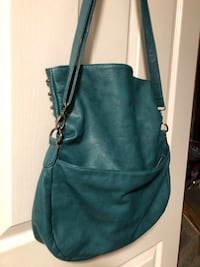 Teal leather shoulder purse Calgary, T3A