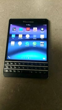 BLACKBERRY PASSPORT .MINT CONDITION.UNLOCKED.GOOGLE INSTALLED. PLAYSTO