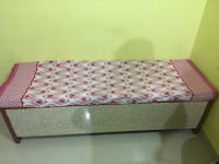 Very good condition single diwan bed with storage and mattress Kalyan, 421301