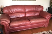 Leather couch and love seat Vaughan, L6A 0K3