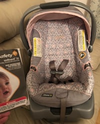 OnBoard35 infant seat and base pretty pattern and in fair condition. I was very careful not to leave this seat in the car. The base has never been used. Will come with instruction booklet. Madisonville, 70447