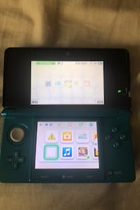 Nintendo 3DS with 2 Chargers 12 Games and Portable Carrying Case