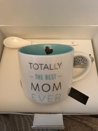 NIB special tea set for mom Laval, H7W 2J3