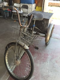 I sell a bicycle three wheels more tha 100 years old Lancaster, 93535