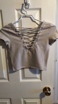 women's gray v-neck shirt Guelph, N1L 1T4