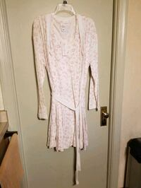 Two-piece nursing gown and robe Milwaukee, 53202