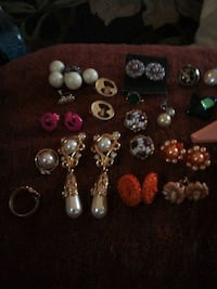 35+ pieces clipon earrings Grand Junction, 81503