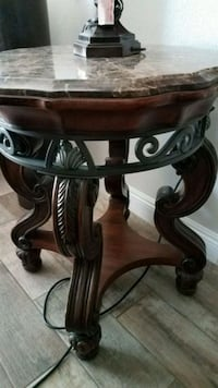 Side Table/ Accent Table North Las Vegas, 89032