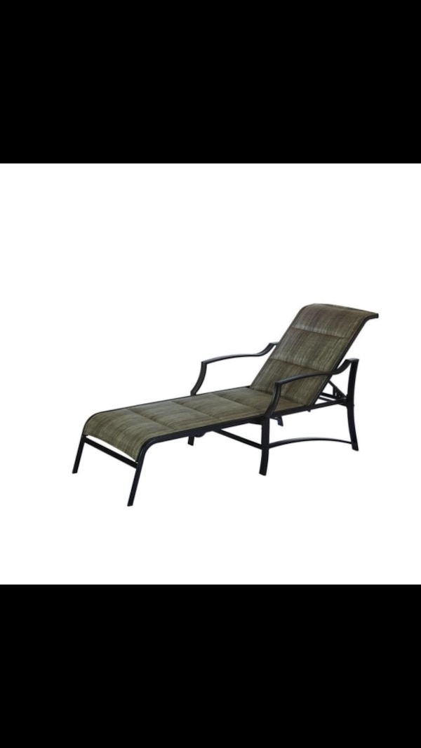 Used 2909 Hampton Bay Statesville Padded Patio Chaise Lounge 149