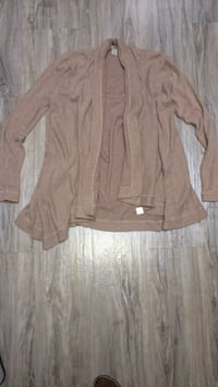 80$-ROOTS cape sweater size xs-s used but loved couple little holes not that noticeable with all the draping otherwise lots of life in this beauty lots great with high boots and tights  London, N5W 6E2