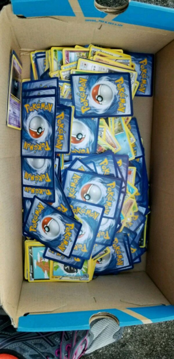 Pokemon Cards, Book, x5 tins