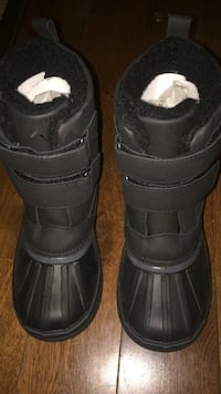 pair of black duck boots Calgary, T3J 2S7