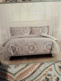 Bryon 3 piece bed set Full/Queen