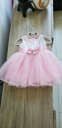 girl's pink sleeveless dress Vancouver, V5P 2Y4