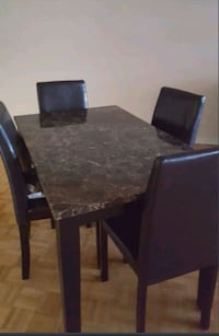 Rectangular brown marble table with 4 chairs Toronto, M5V 3A6