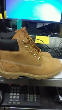 pair of brown Timberland work boots South Riding, 20152