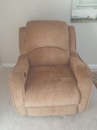 New Reclining Chair (Chenille/Microfiber cloth material)  Woodbridge, 22192