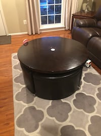round black leather padded ottoman Chantilly, 20152
