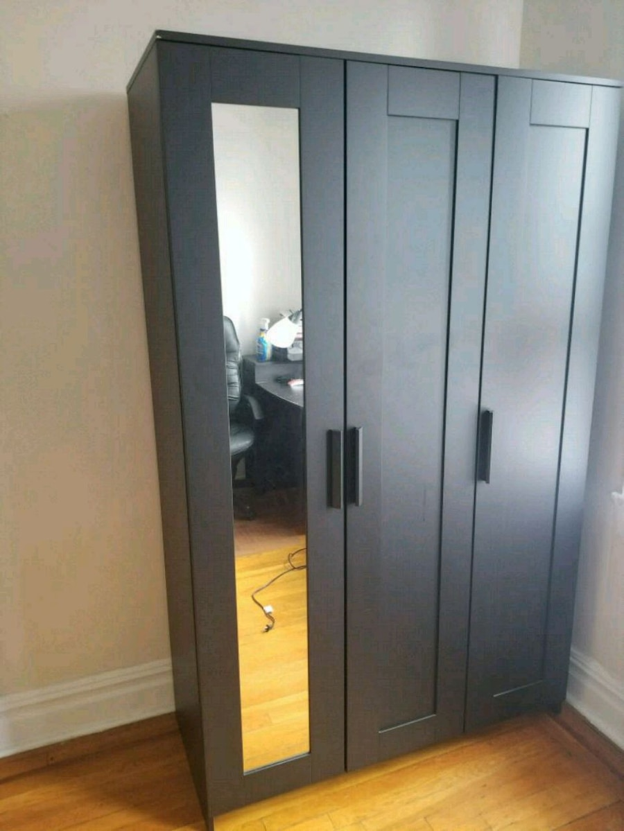 Wardrobe Dresser Closet (Price Negotiable)